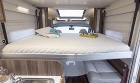 Auto-Roller Tline 590 dinette/bed